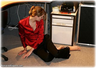 Bondage photo pic picture Zoe barefoot, handcuffs, satin, boots, silk, leg irons