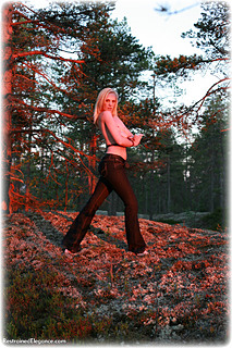 Bondage photo pic picture Ariel Anderssen rope bondage, barefoot, outdoor, topless