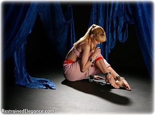 Bondage photo pic picture Ariel Anderssen barefoot, harem, shackles, leg irons, metal bondage, collar, ungagged