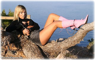 Bondage photo pic picture Belle handcuffs, boots, leg irons, outdoor