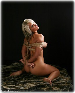 Bondage photo pic picture Carrie Anne barefoot, rope bondage, nude