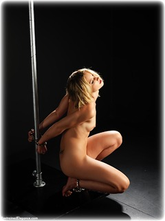 Bondage photo pic picture Harriet Cooper barefoot, handcuffs, blonde, bondage pole, leg irons, nude, ungagged