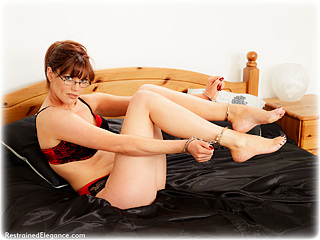 Bondage photo pic picture Holly Kiss handcuffs, satin, barefoot, hogtie, silk, leg irons, cloth gag, metal bondage, nude