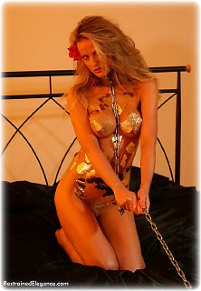 Bondage photo pic picture Jasmine Sinclair barefoot, shackles, leg irons, chains, metal bondage, collar, nude
