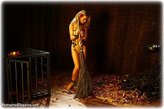 Bondage photo pic picture Jasmine Sinclair barefoot, shackles, leg irons, slave training, chains, metal bondage, collar, nude