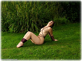Bondage photo pic picture Sammie B rope bondage, barefoot, nude, outdoor