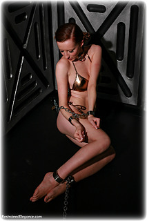 Bondage photo pic picture Sophia Smith barefoot, shackles, leg irons, chains, metal bondage, collar