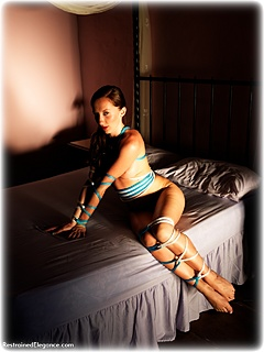Bondage photo pic picture Sophia Smith rope bondage, barefoot, nude