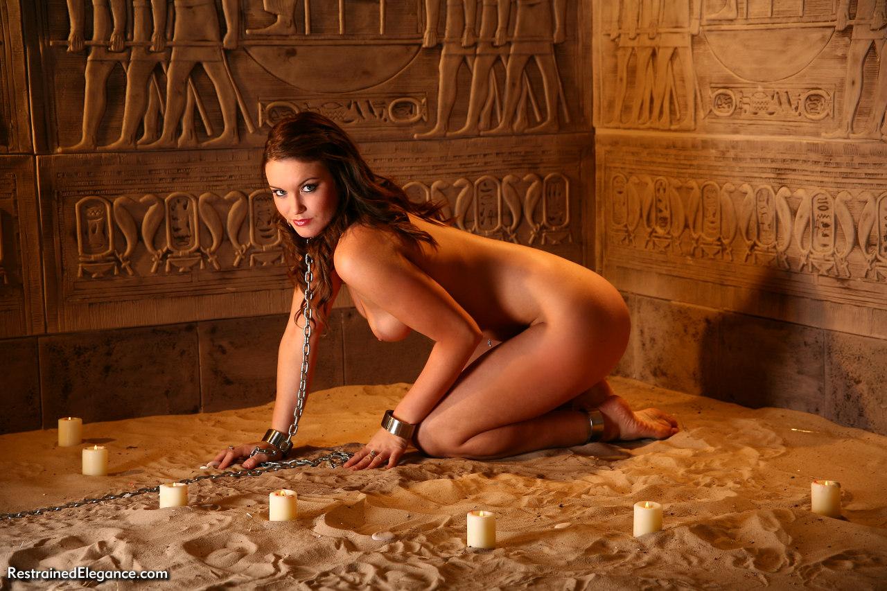 Сексуальные позы рабынь фото 6 фотография